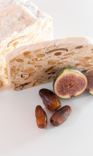 Figs and dates nougat